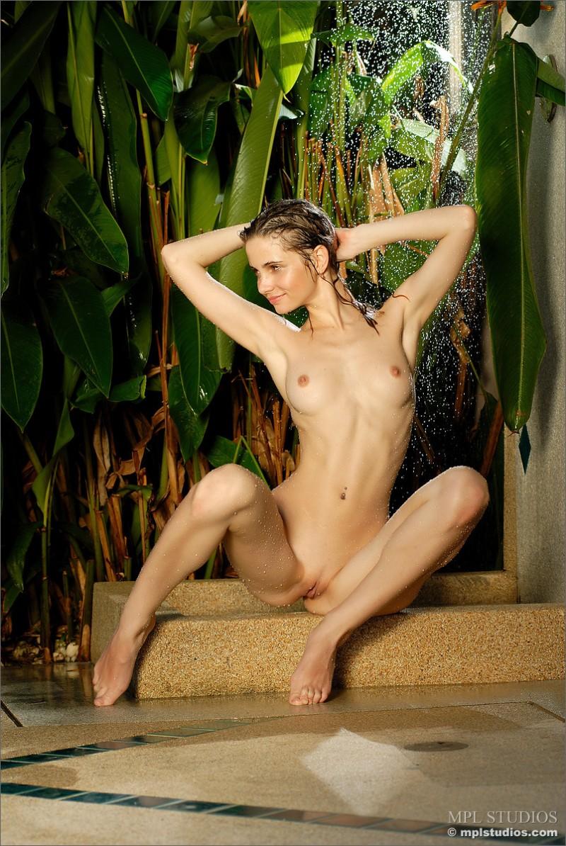 anya-garden-shower-mplstudios-05