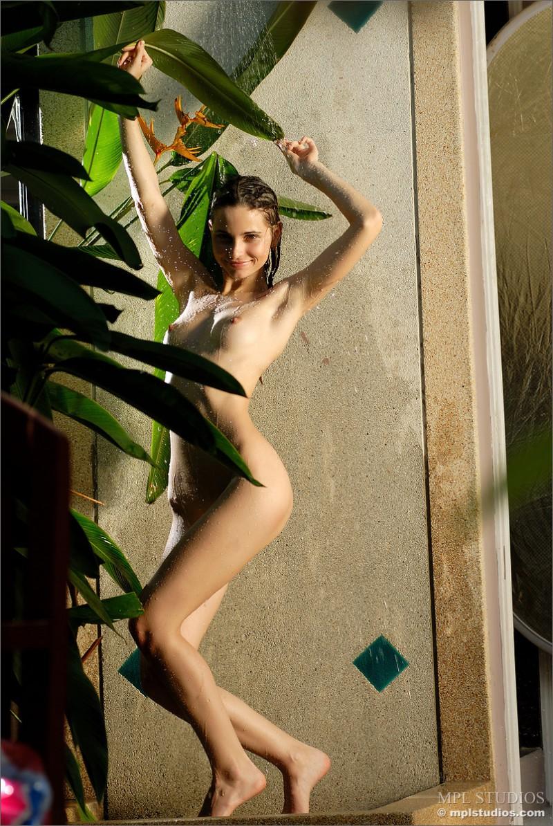 anya-garden-shower-mplstudios-07