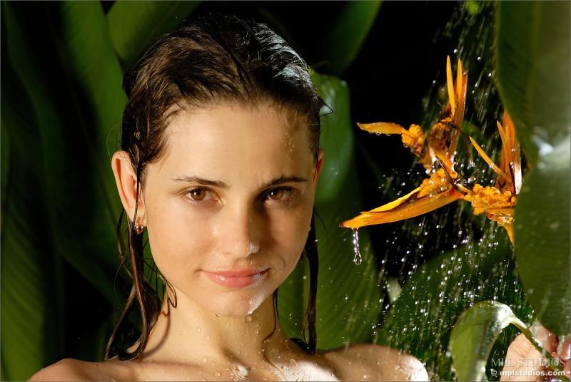 anya-garden-shower-mplstudios-08