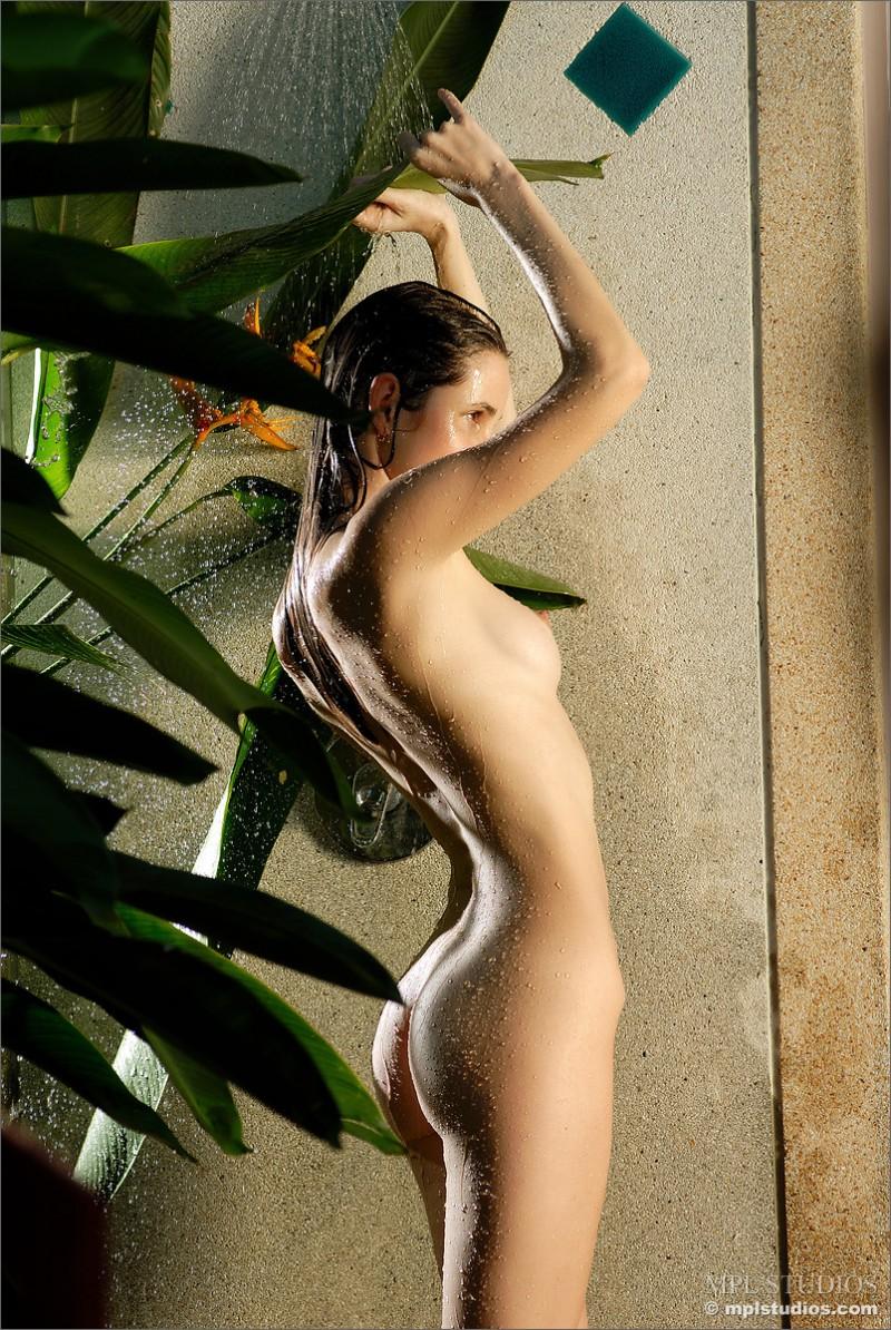 anya-garden-shower-mplstudios-09