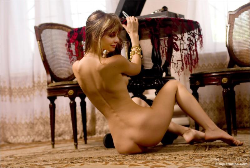 anya-nude-black-skirt-mplstudios-10
