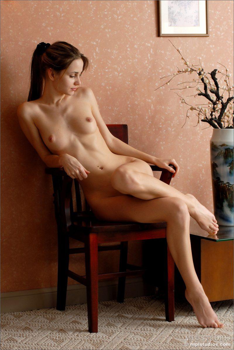 anya-chair-nude-skinny-mplstudios-01