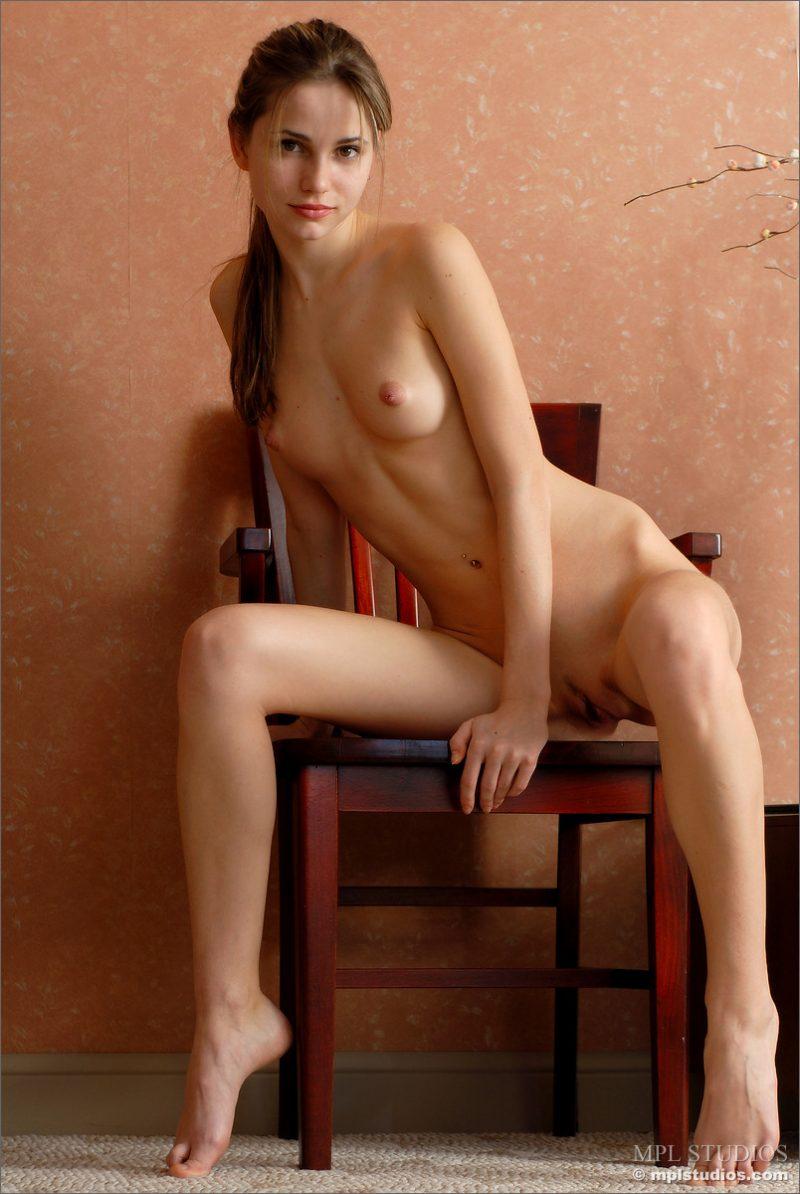 anya-chair-nude-skinny-mplstudios-02