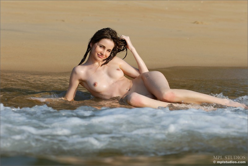 anya-beach-seaside-mpl-studios-08