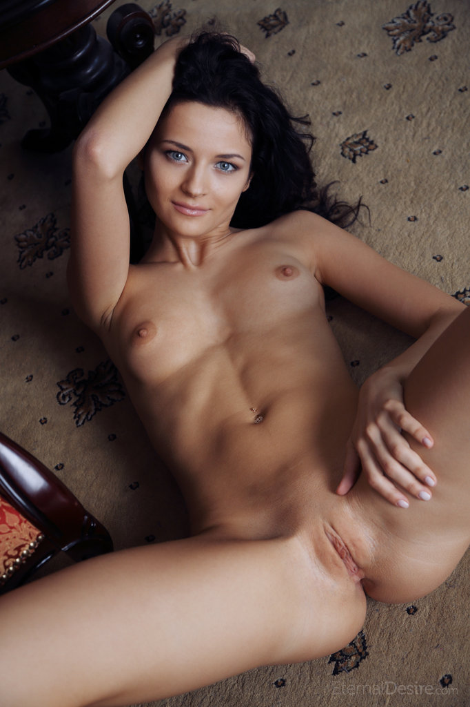 ardelia-a-home-library-nude-eternaldesire-14