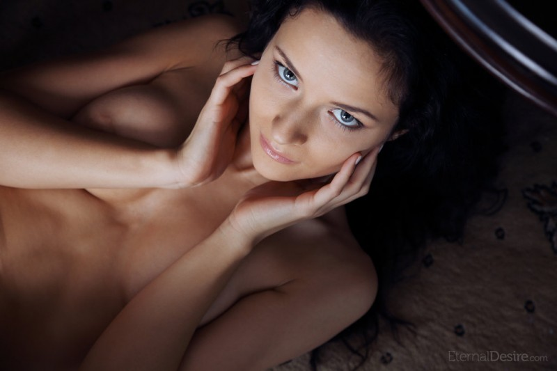 ardelia-a-home-library-nude-eternaldesire-15