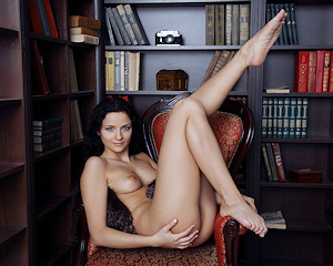 ardelia-a-home-library-nude-eternaldesire