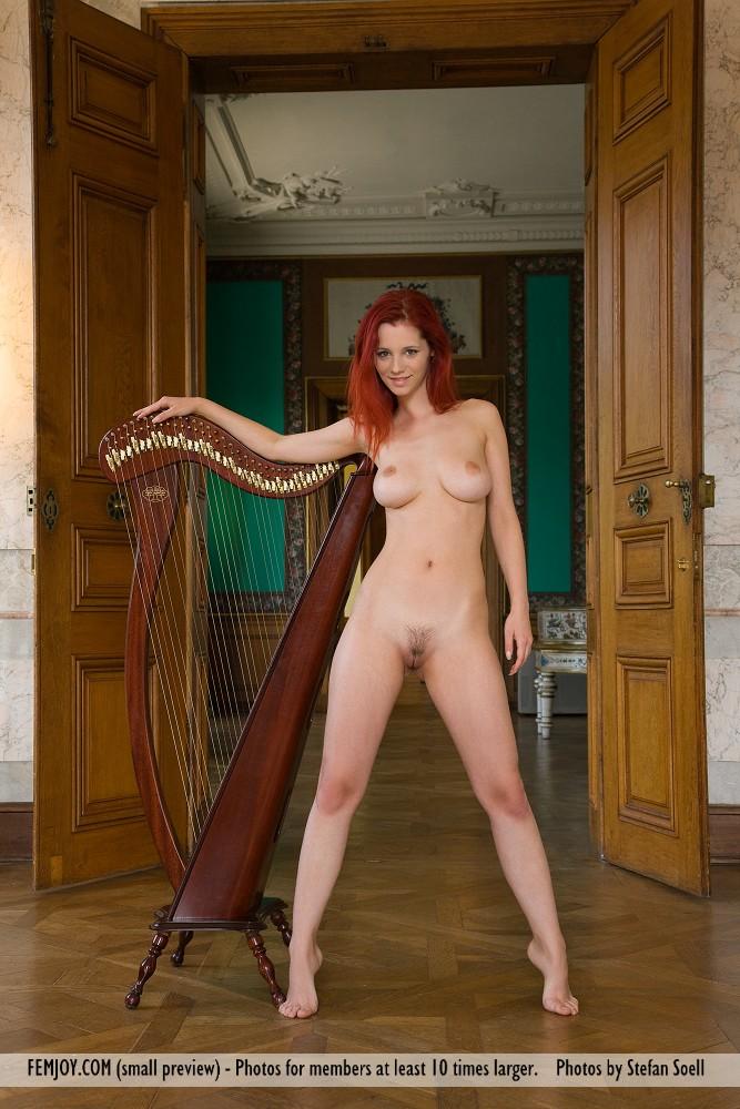 piper-fawn-&-harp-03
