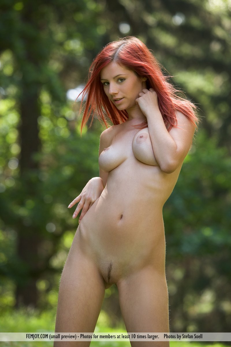 gabrielle-lupin-nude-in-woods-13