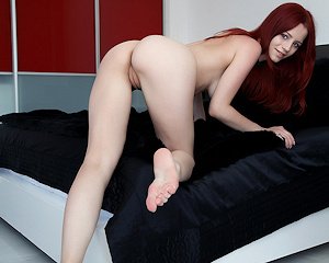 ariel-a-redhead-black-sheets-naked-metart