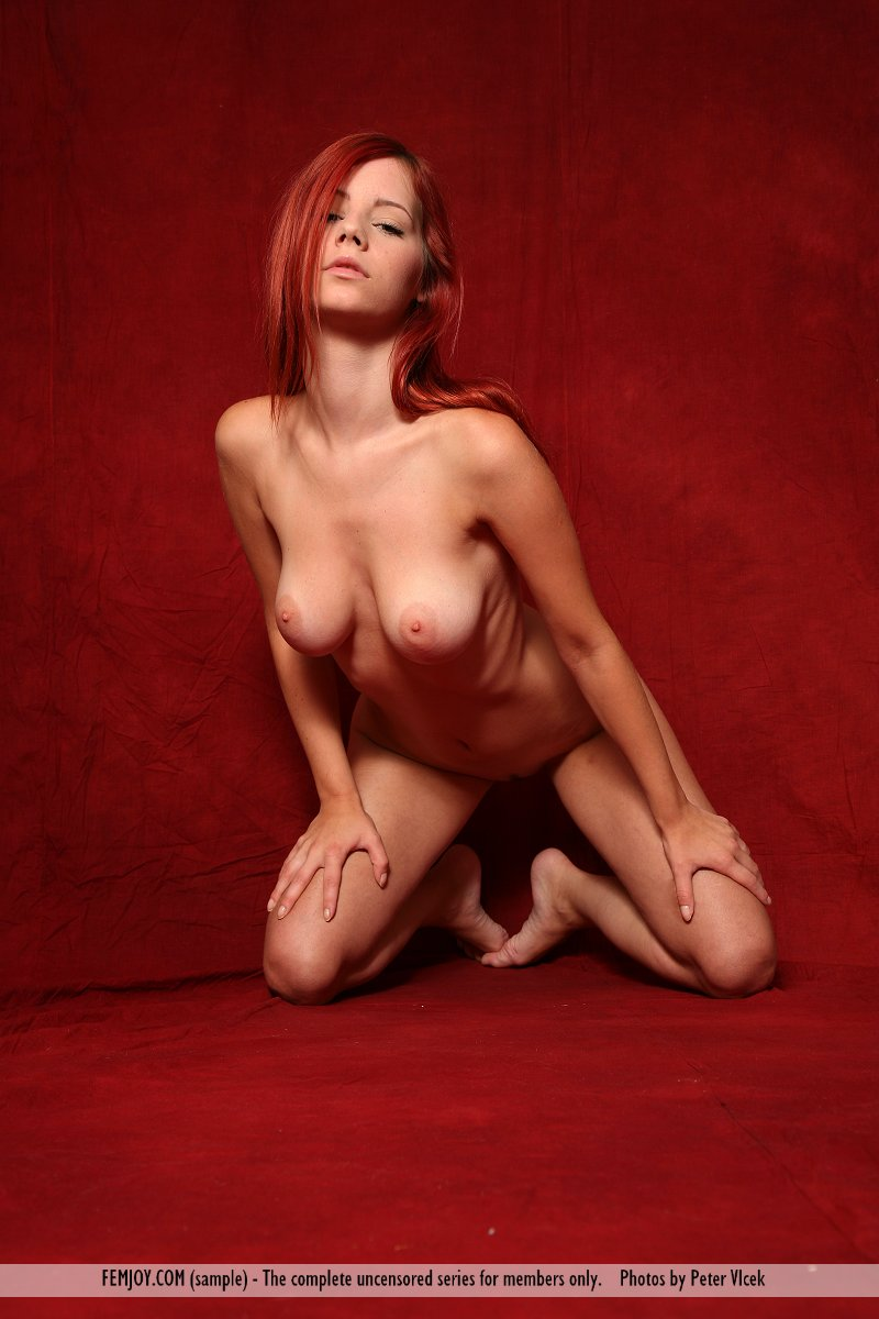 ariel piper nude naked
