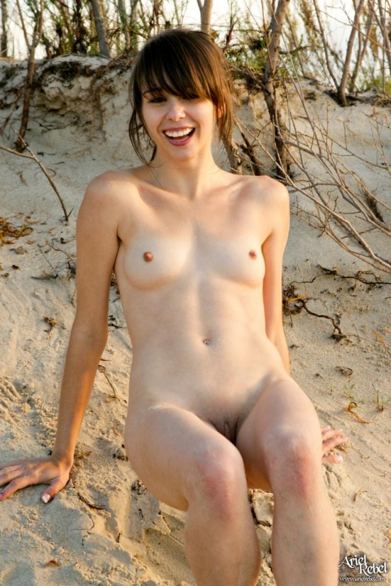 ariel-rebe-sand-nude-15
