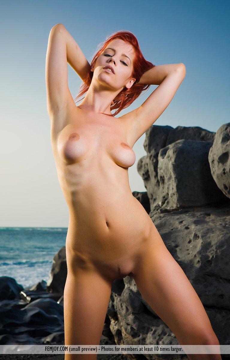 ariel-seaside-sunset-femjoy-01