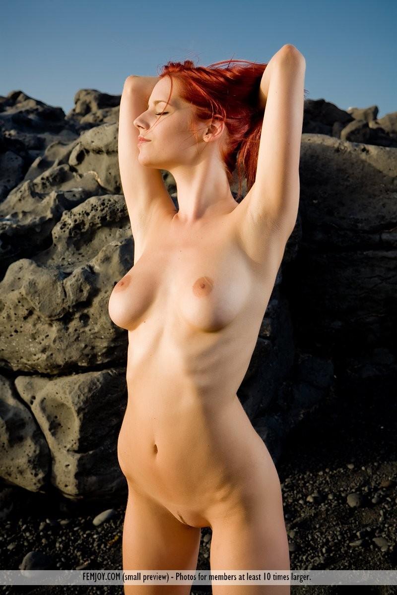 ariel-seaside-sunset-femjoy-09