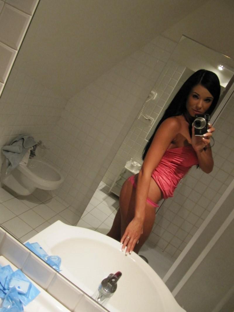 ashley-bulgari-self-shot-bathroom-mirror-18