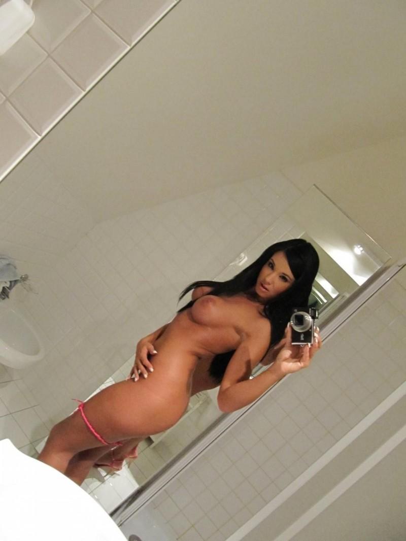 ashley-bulgari-self-shot-bathroom-mirror-51