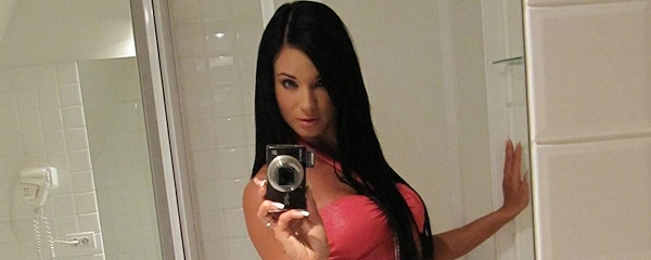 Ashley Bulgari – Bathroom selfshots