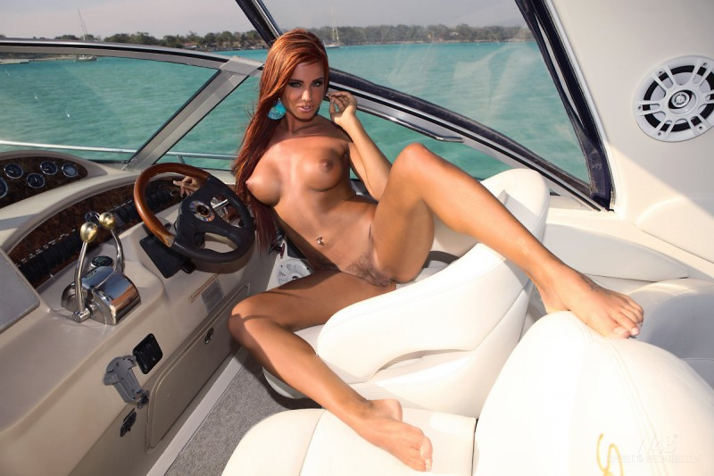ashley-bulgari-boat-bikini-watch4beauty-12