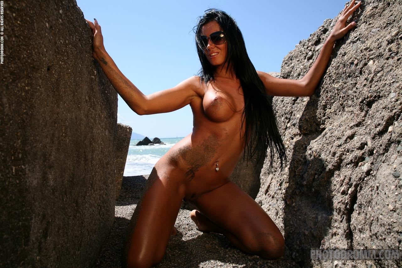 ashley-bulgari-seaside-bikini-naked-photodromm-06