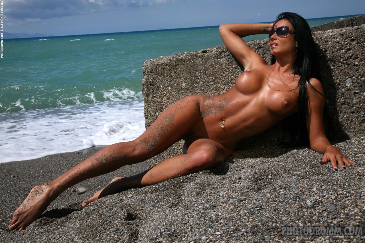 ashley-bulgari-seaside-bikini-naked-photodromm-12
