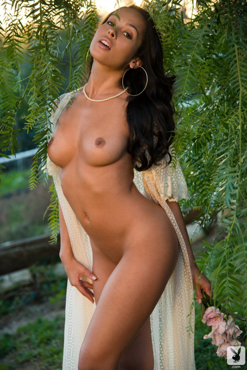 ashley-doris-playmate-of-month-playboy-07