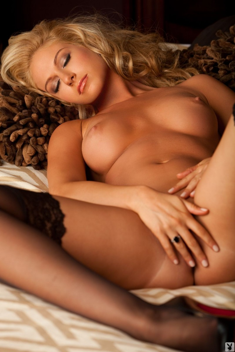 ashley-ilenfeld-stockings-naked-playboy-29