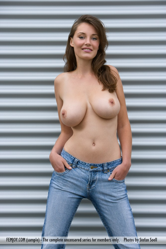 ashley-jeans-boobs-femjoy-02