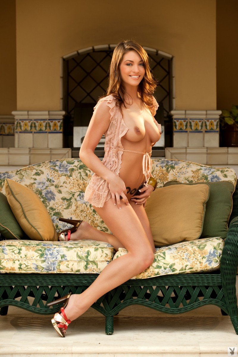 ashley-nicole-coed-playboy-01