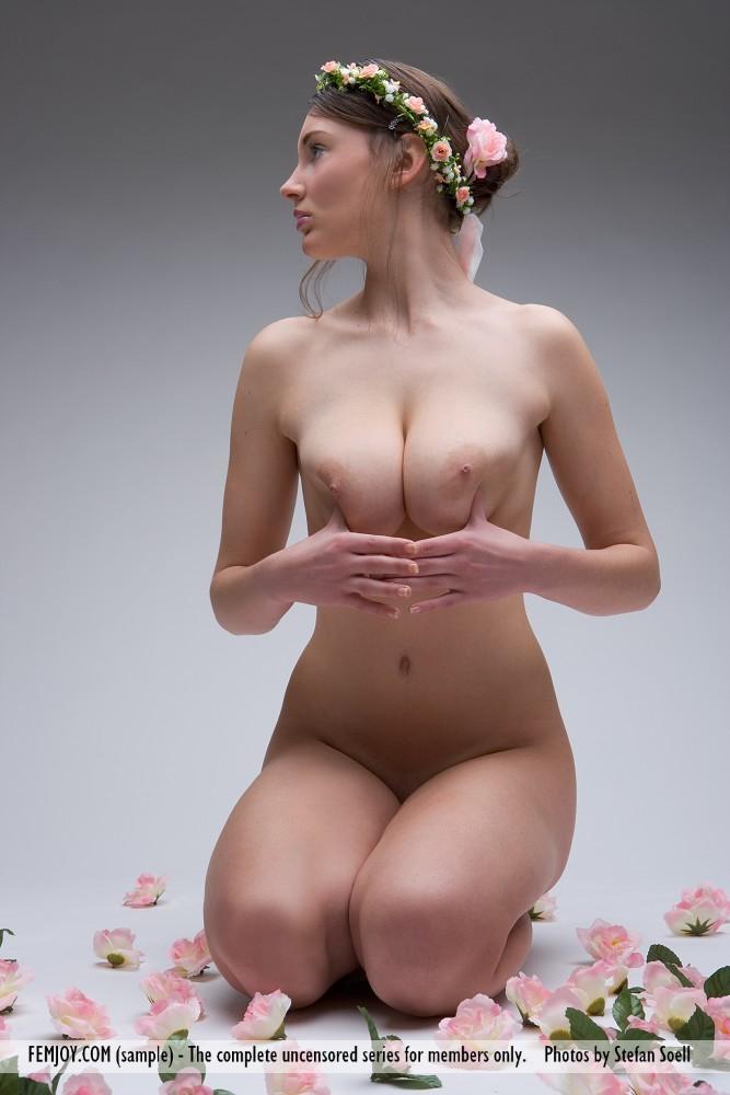ashley-wreath-on-head-boobs-femjoy-08