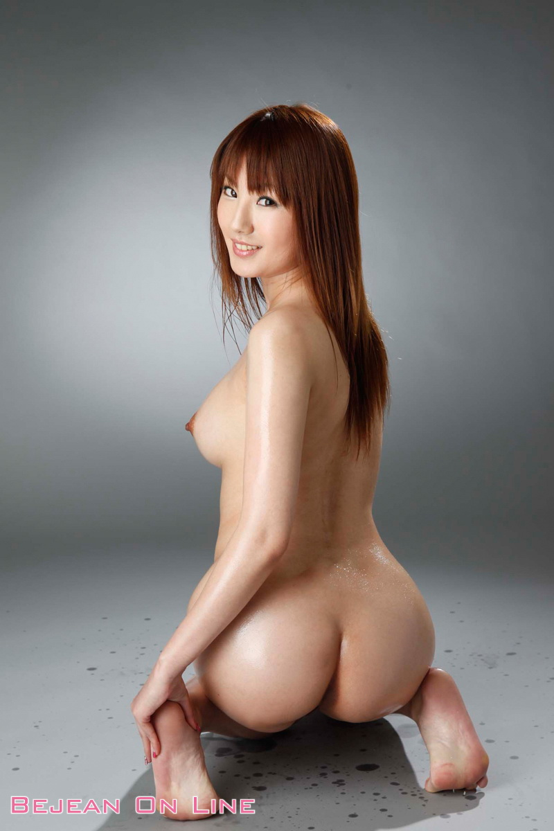 Naked pretty asian