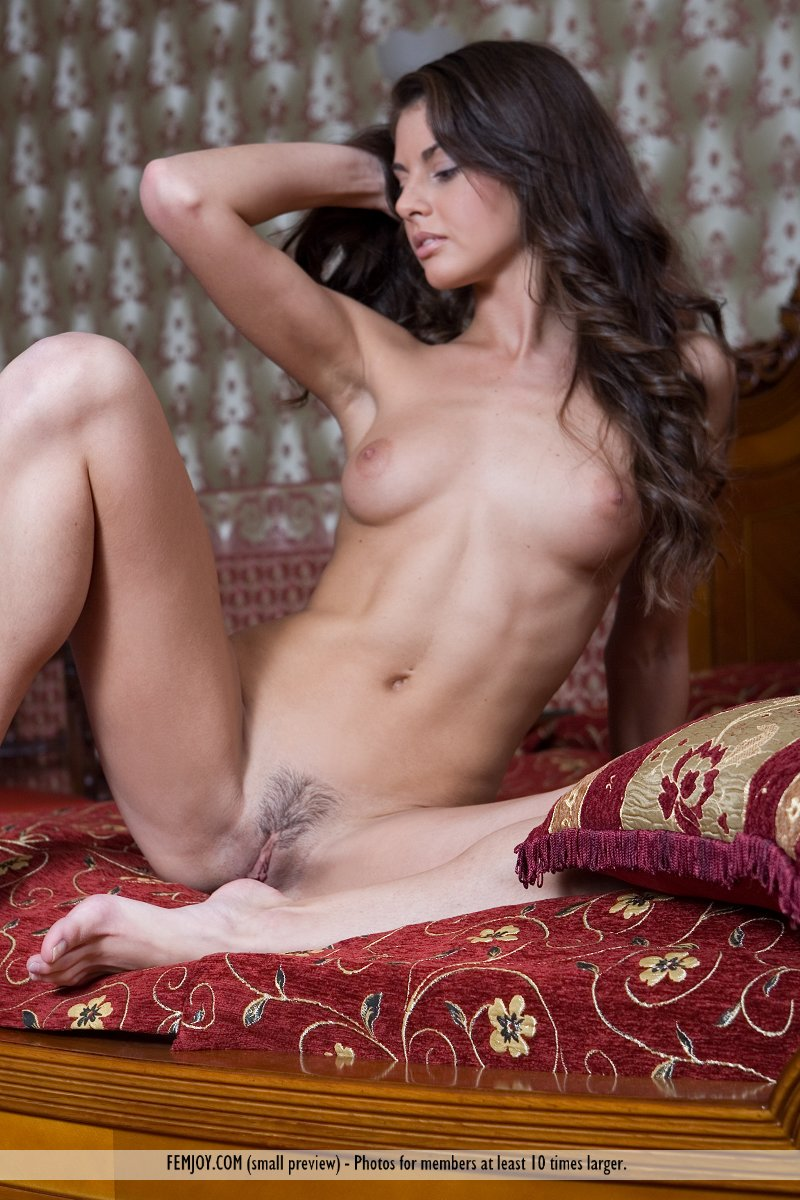 astrud-bedroom-femjoy-07