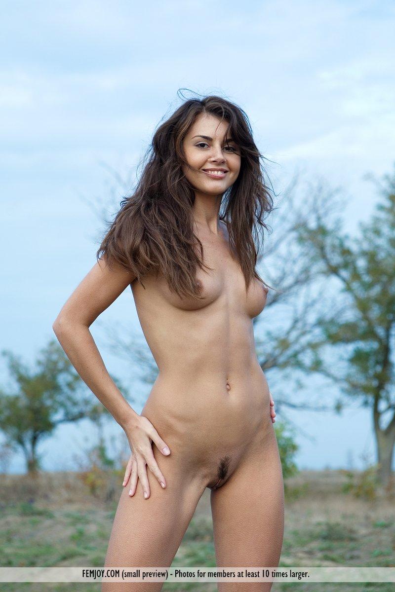 nude Alannis femjoy