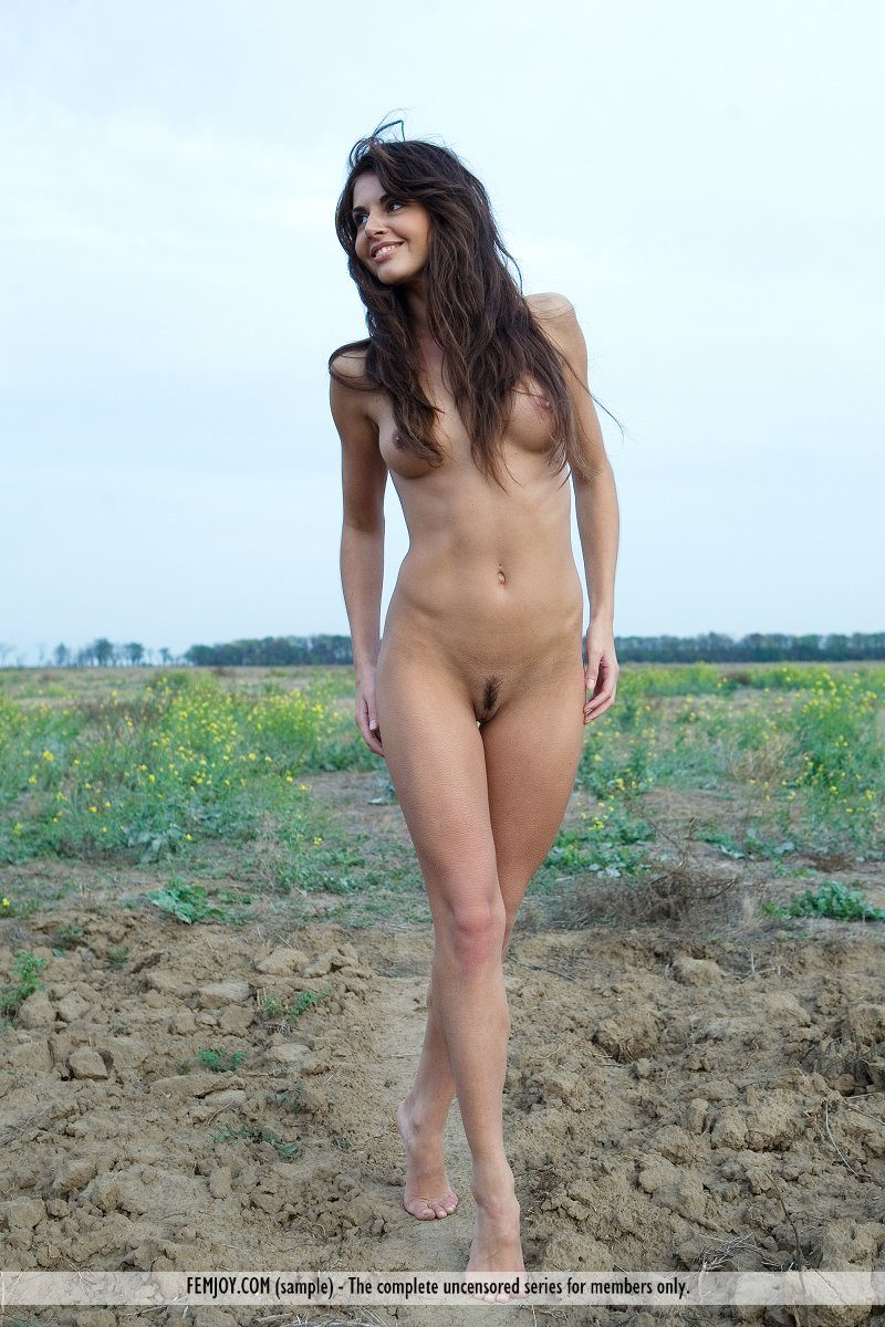 alannis-naked-dirt-road-femjoy-13