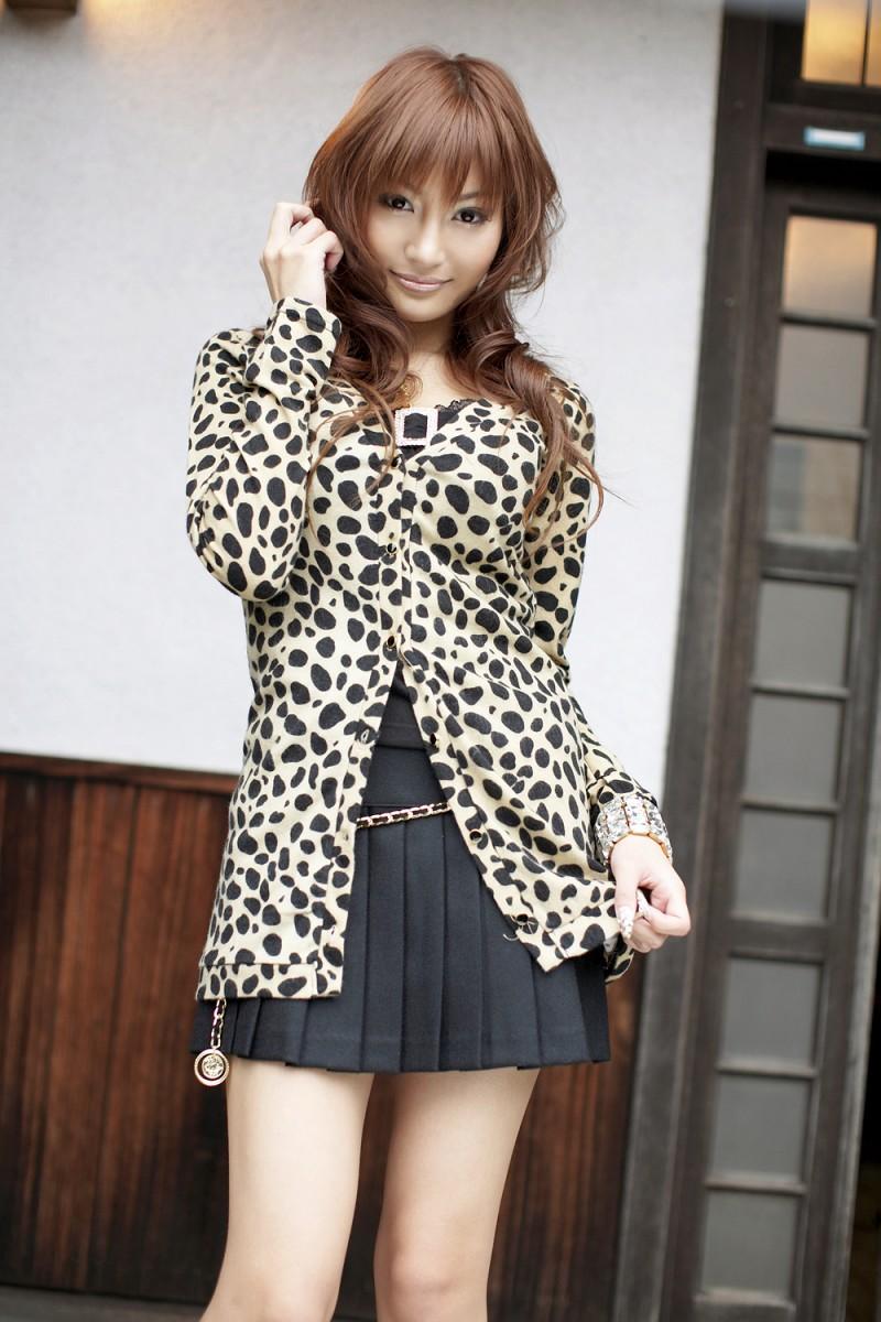 asuka-kirara-black-dress-02
