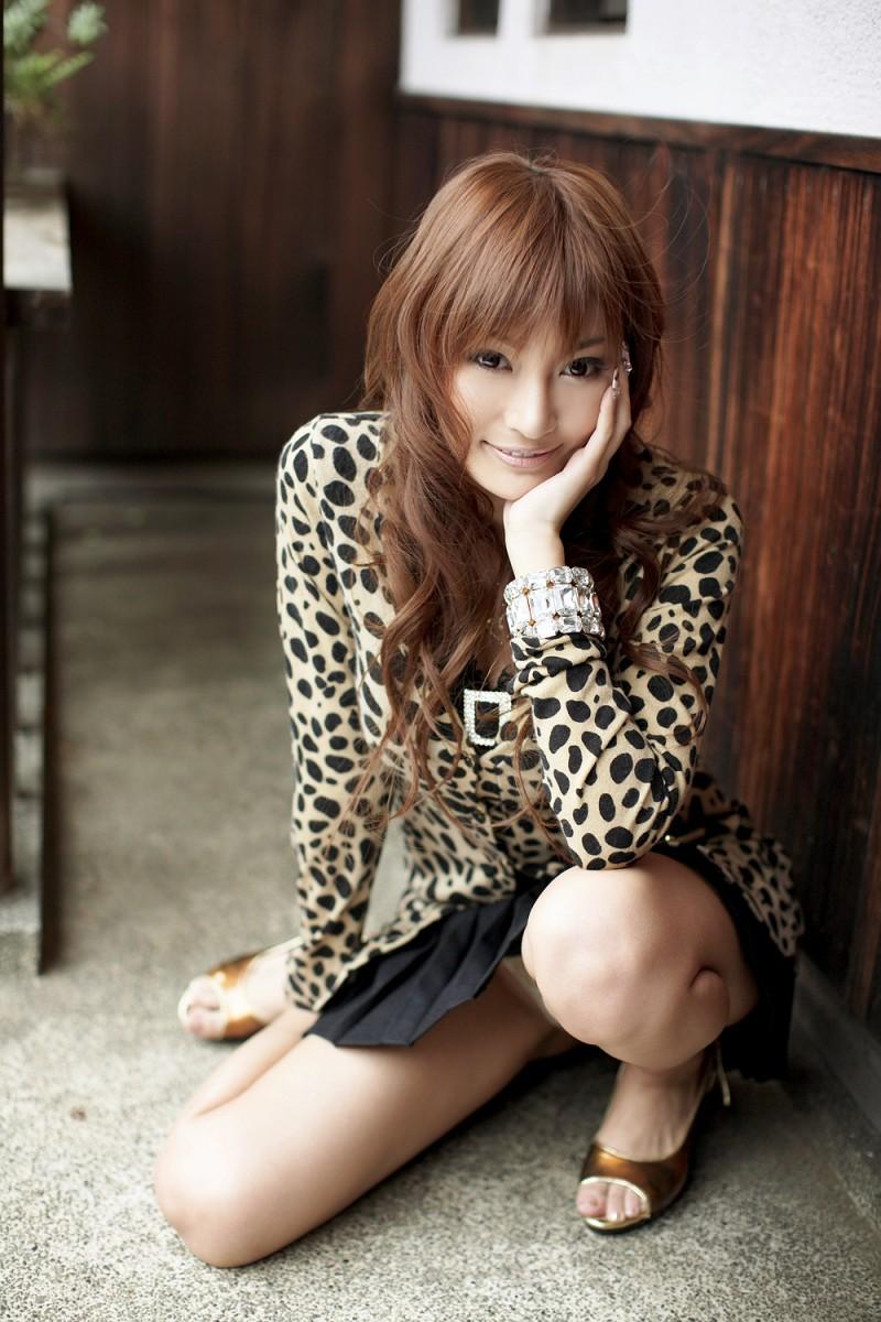 asuka-kirara-black-dress-04