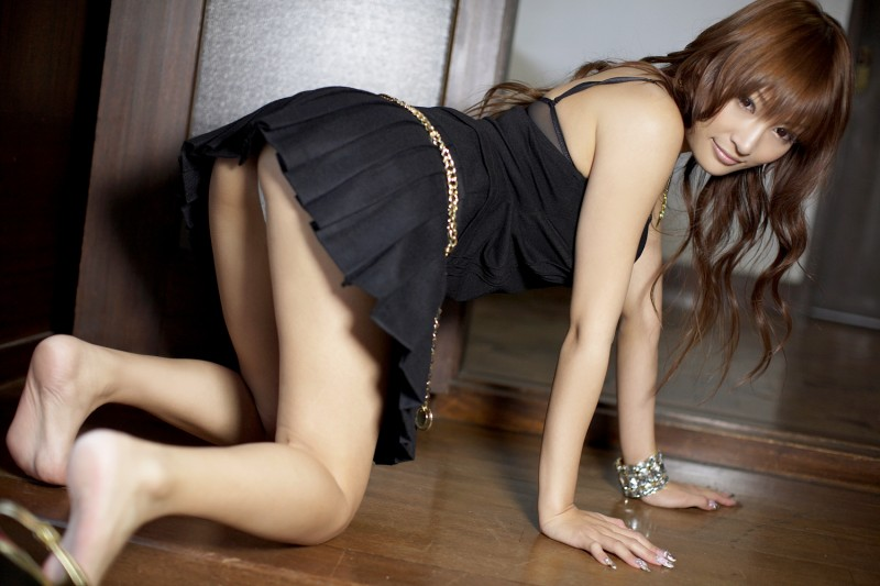 asuka-kirara-black-dress-08