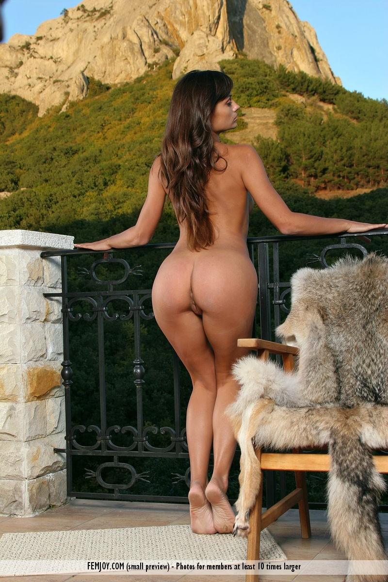 paulina-nude-balcony-femjoy-09