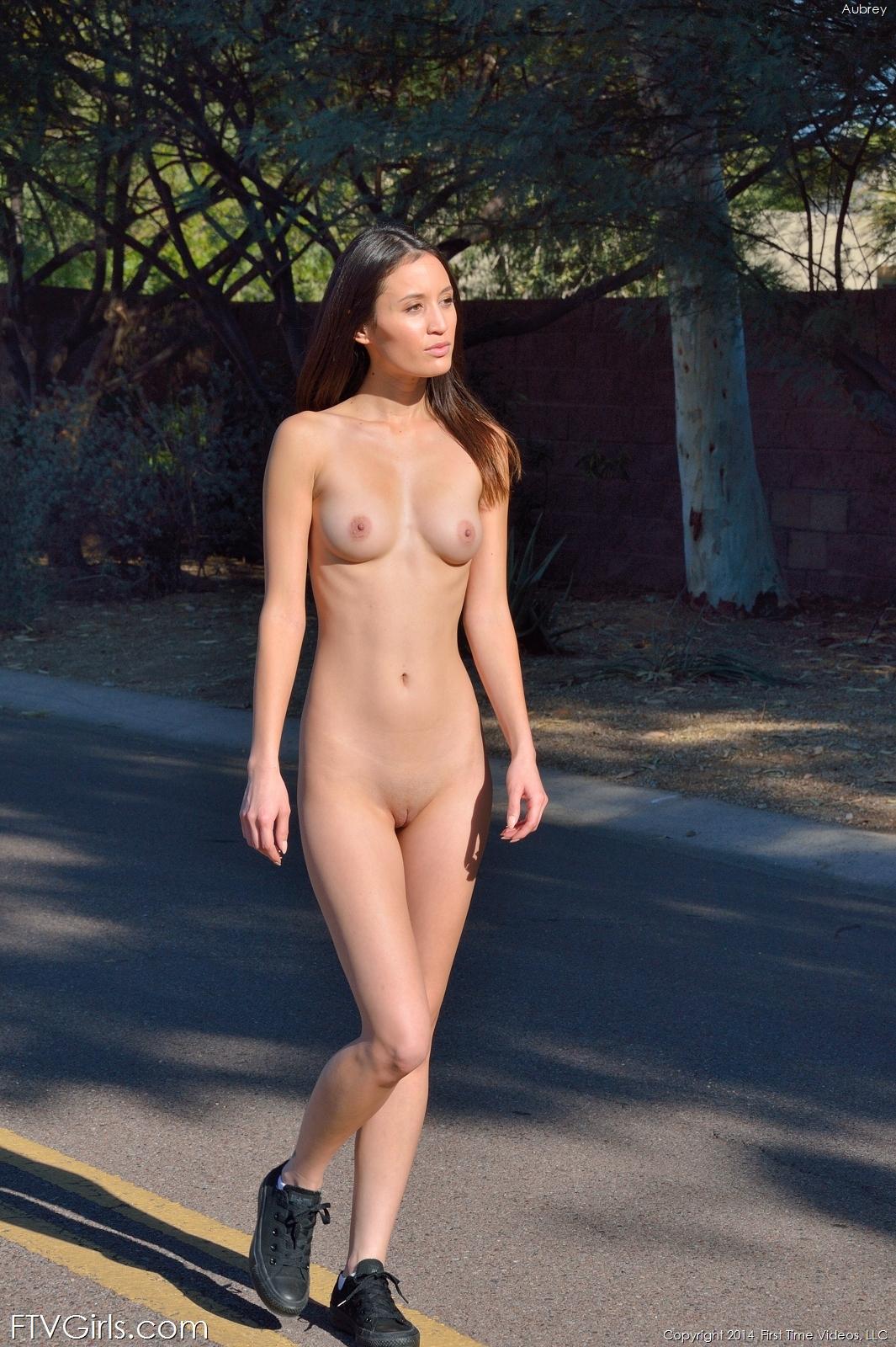 aubrey-shorts-nude-public-road-ftvgirls-18