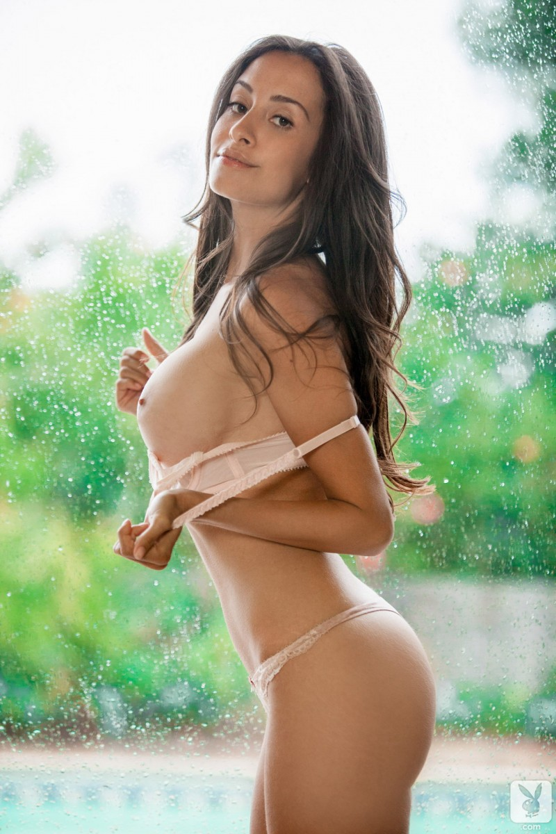 Nude picture truong ba chi photo gallery