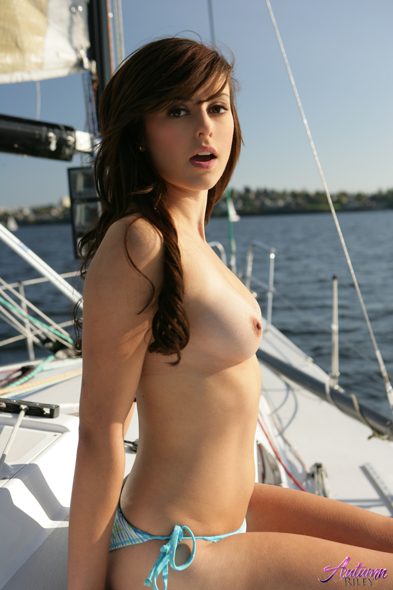 nudes Sailboat and beautiful