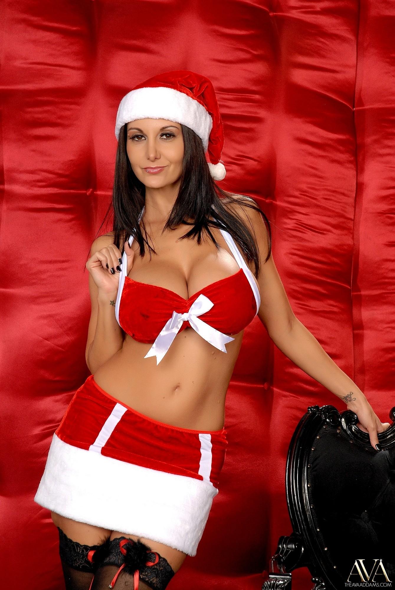 ava-addams-santa-big-boobs-stockings-xmas-nude-03