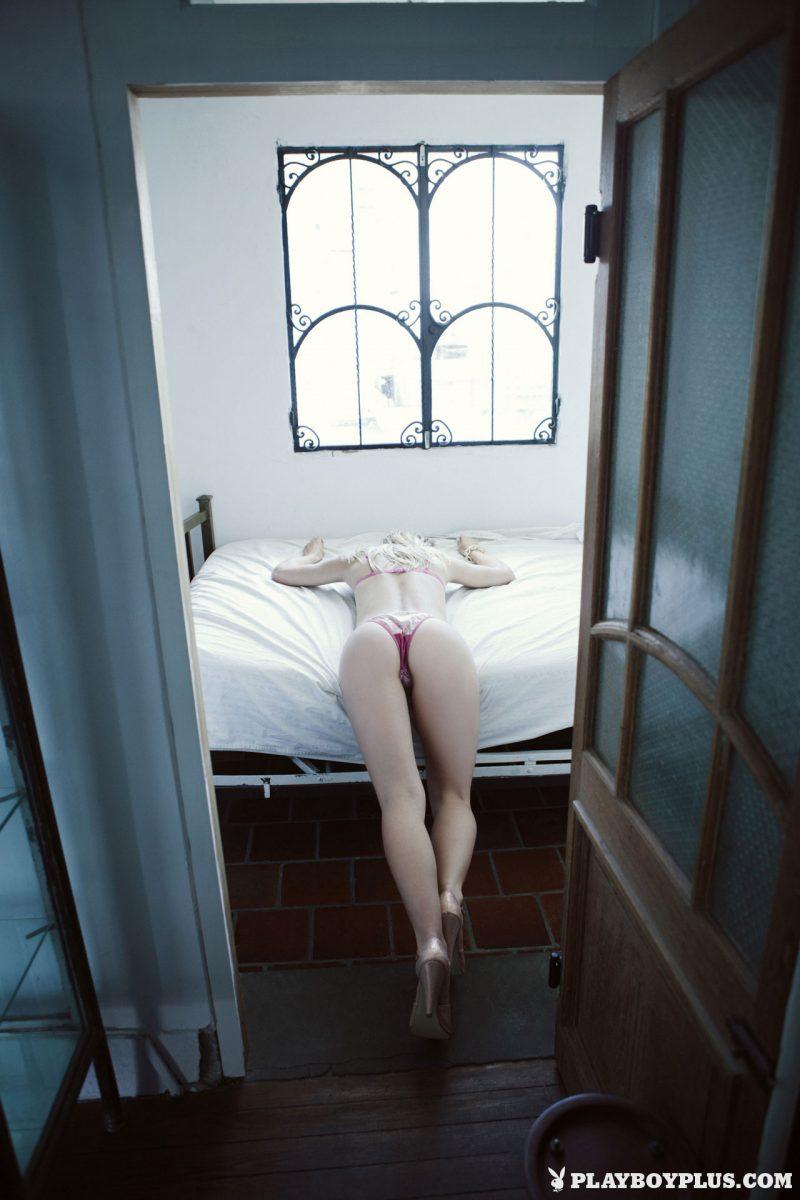 avril-pilot-nude-argentina-playboy-06