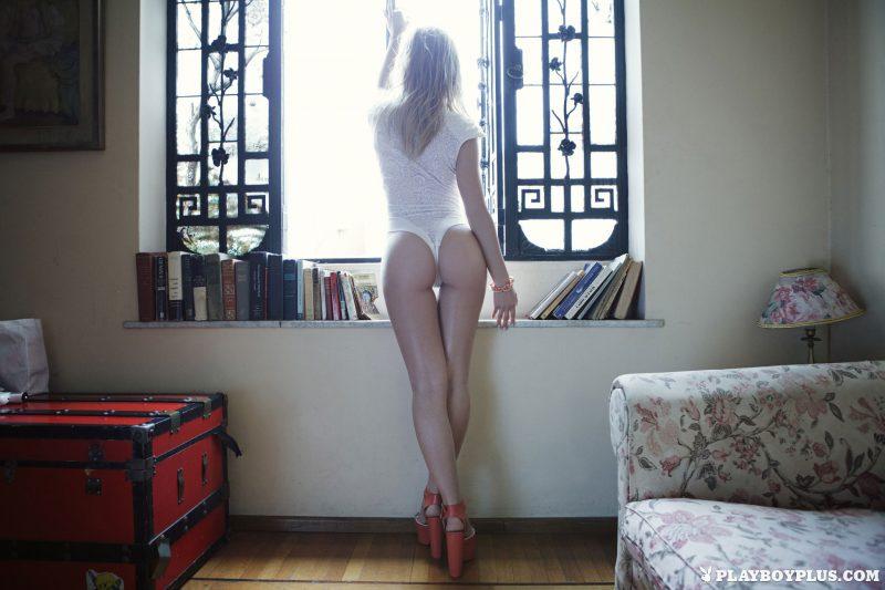 avril-pilot-nude-argentina-playboy-09