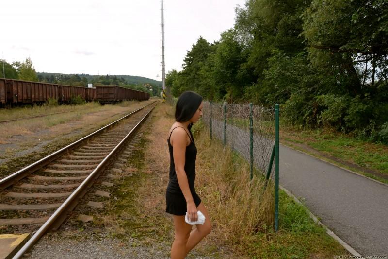 nikola-p-nude-public-euronudes-02