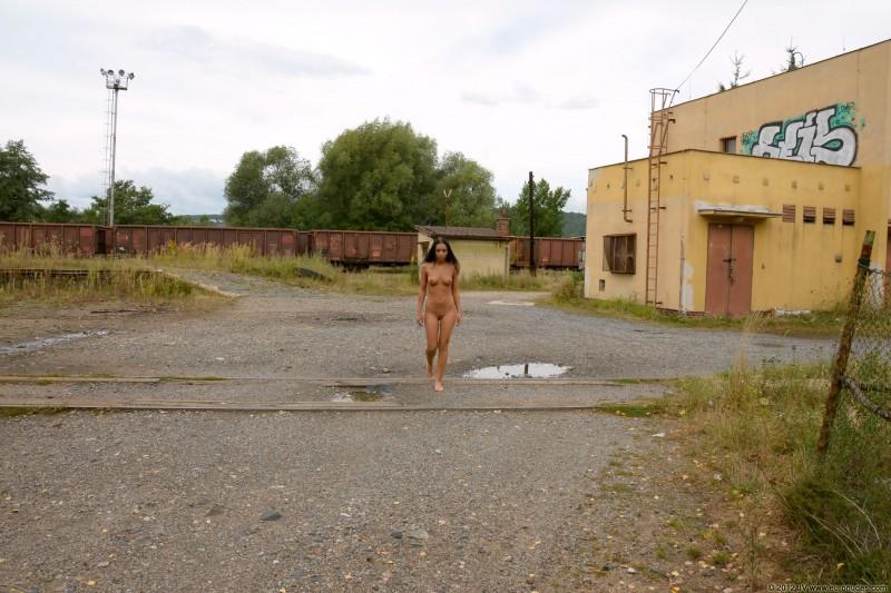 nikola-p-nude-public-euronudes-08