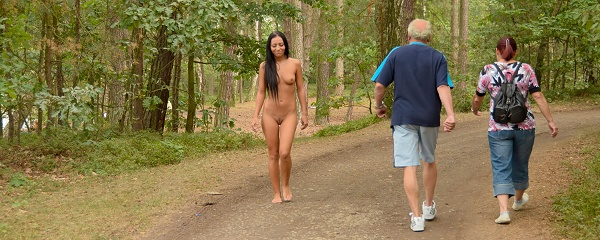 Bailey – Nude in public