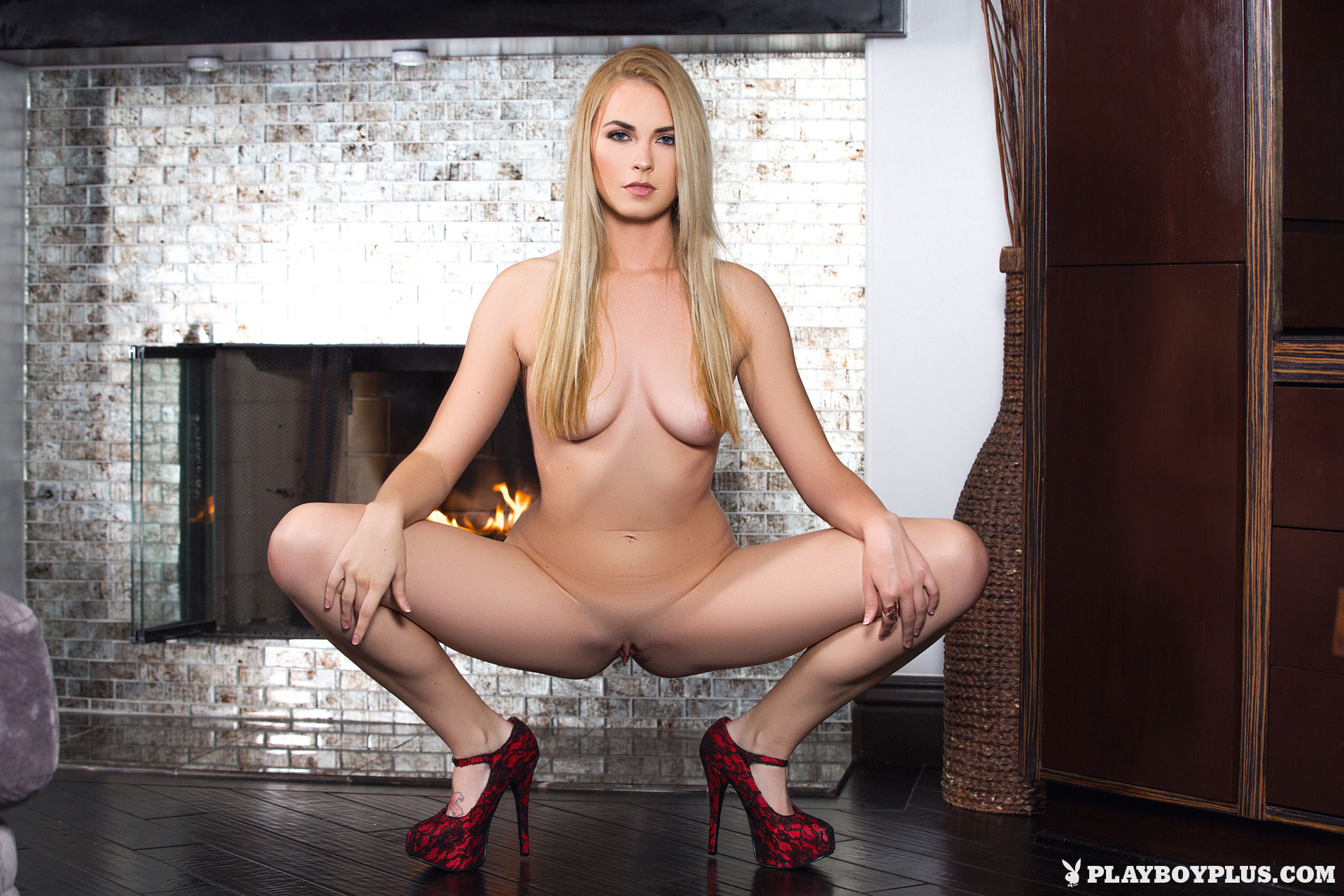 bailey-rayne-nude-fireplace-blonde-playboy-20