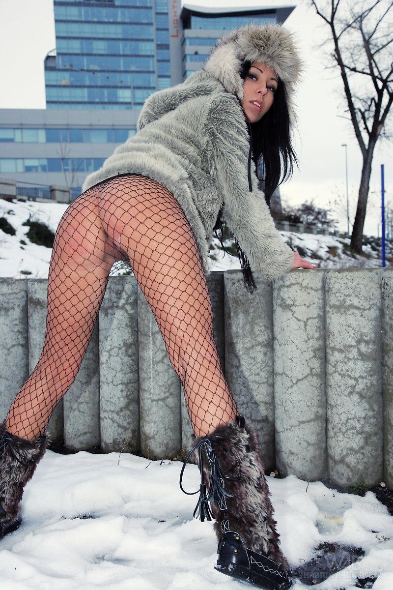 v-zimnih-kolgotkah-porno