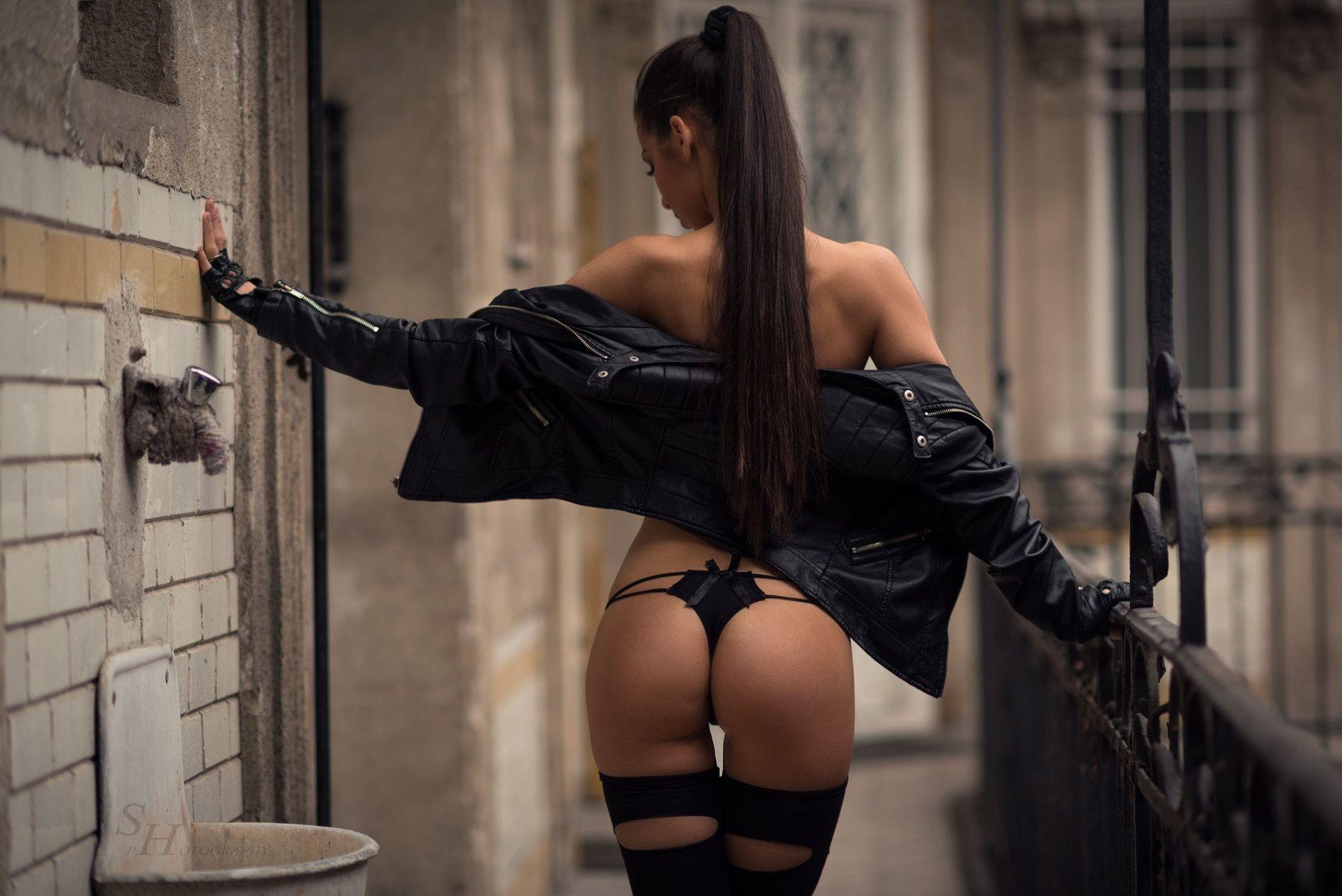 barbara-bocsi-brunette-skinny-nude-erotic-002