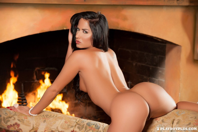 barbara-desiree-fireplace-nude-warm-tea-playboy-18